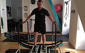 Fitness-Übungen auf dem Dimove-Gerät